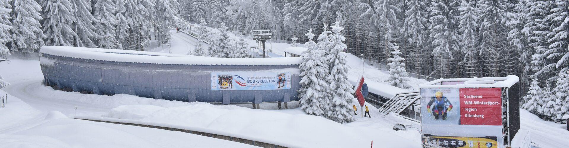 verschneite Bobbahn Altenberg  Foto: Egbert Kamprath
